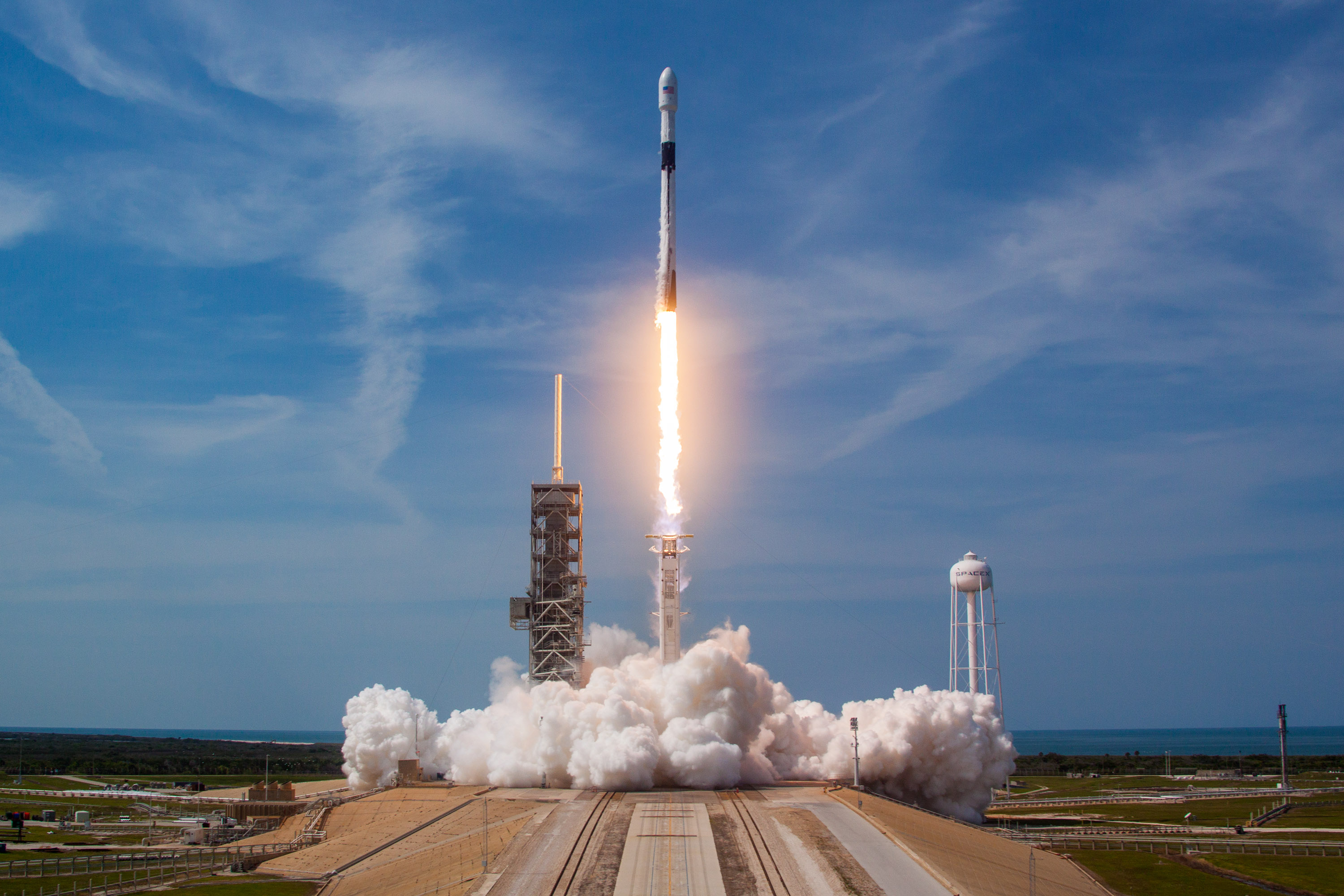 spacex launches rocket - HD3000×2000